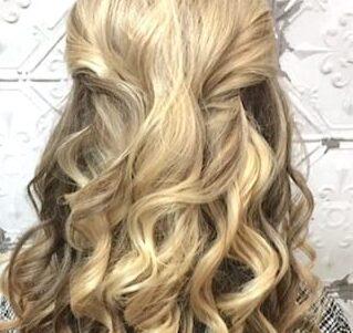 blonde-curls-pinned-back-phoenix