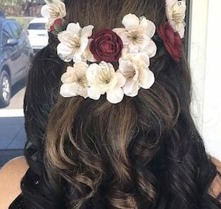 bridal-curls-with-flowers