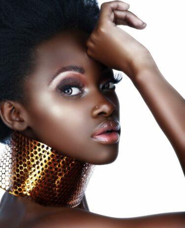 makeup-application-shear-paradise-salon-sorme-products