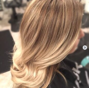 natural-blond-hair-shear-paradise-salon-phoenix